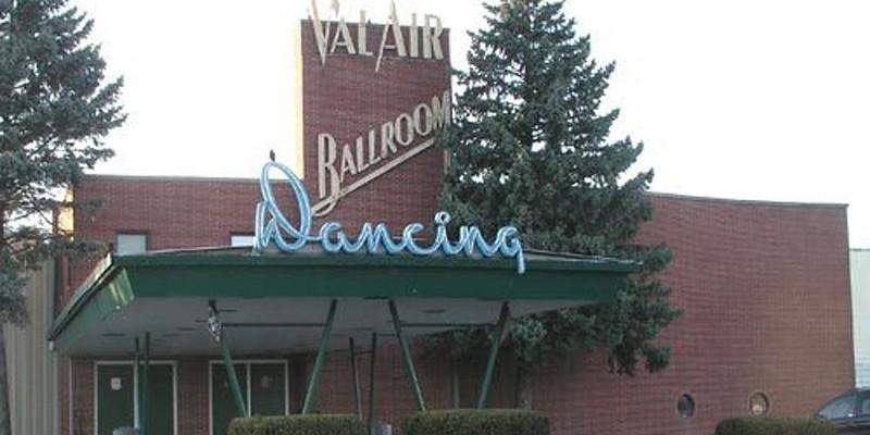 Val Air Ballroom - West Des Moines, IA