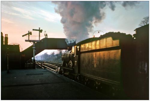 kingsnorton 4918 dartingtonhall freight sunrise