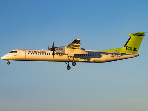 egsh nwi norwich norwichairport canon70d avgeek aircraft airlivery plane jet airbaltic bombardierdhc8402qdash8 ylbay dash8