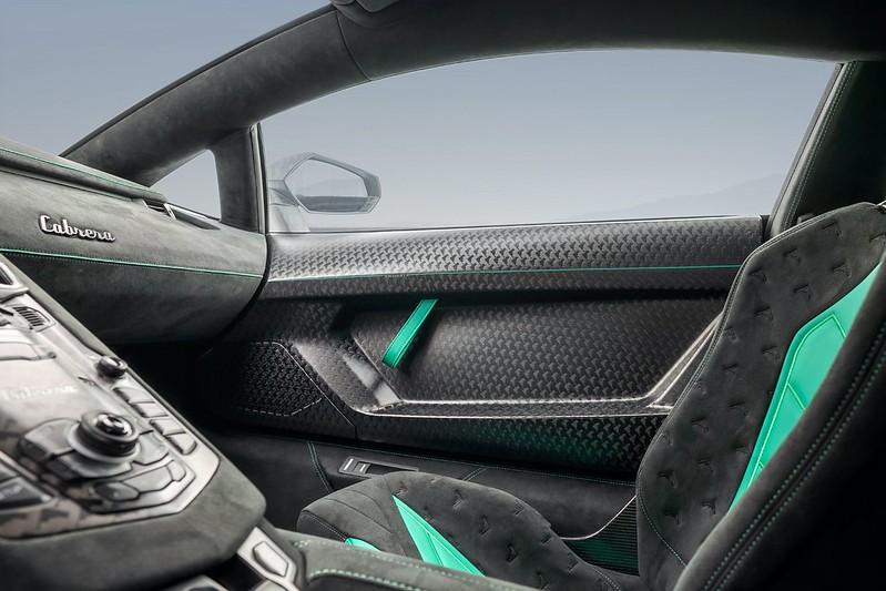 Mansory-Cabrera-Lamborghini-Aventador (2)