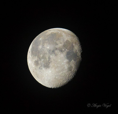 03122020 morning moon