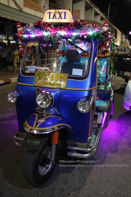 Chiang Mai, Southgate night market, tuk tuk
