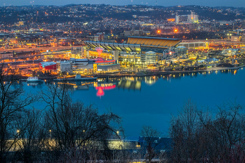 carnegiesciencecenter hdr heinzfield mountwashington nikon nikond5300 ohioriver outdoor pennsylvania pittsburgh pointsofviewpark city color colorful colors downtown geotagged lights longexposure outside reflection reflections river tree trees urban water