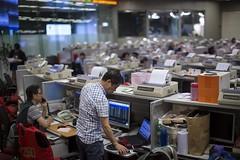La Bolsa de Hong Kong desciende un 5,78 % a media sesión