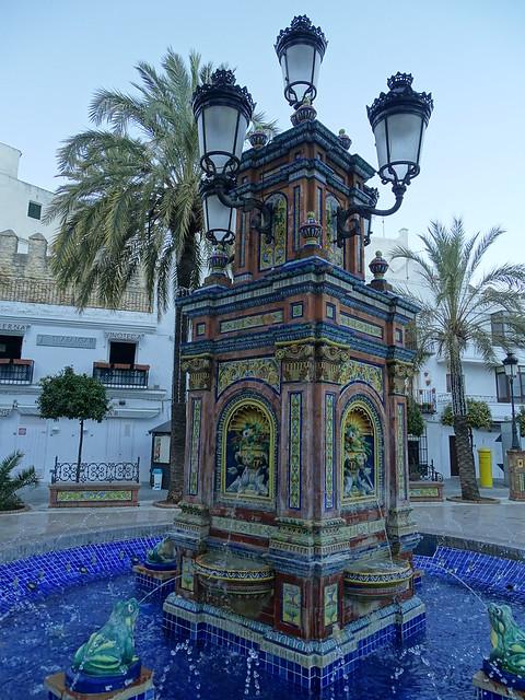 Fuente en Plaza de España de Vejer de la Frontera Cadiz 03