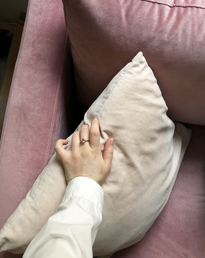 Bemz-samettipäälliset Ikea Karlstad sohvaan