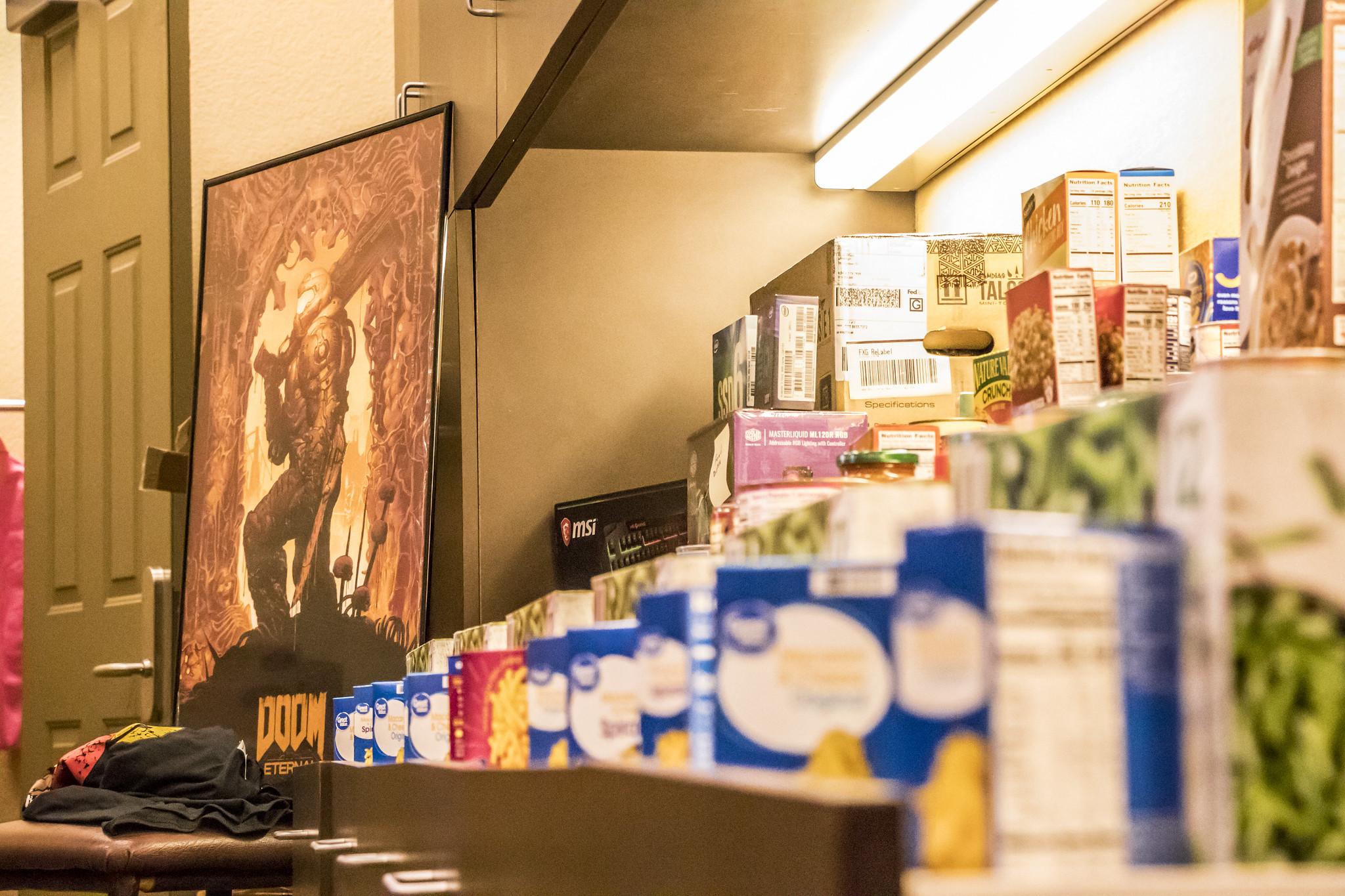 2020-03 - LAN - 09 - Food Drive - 00007
