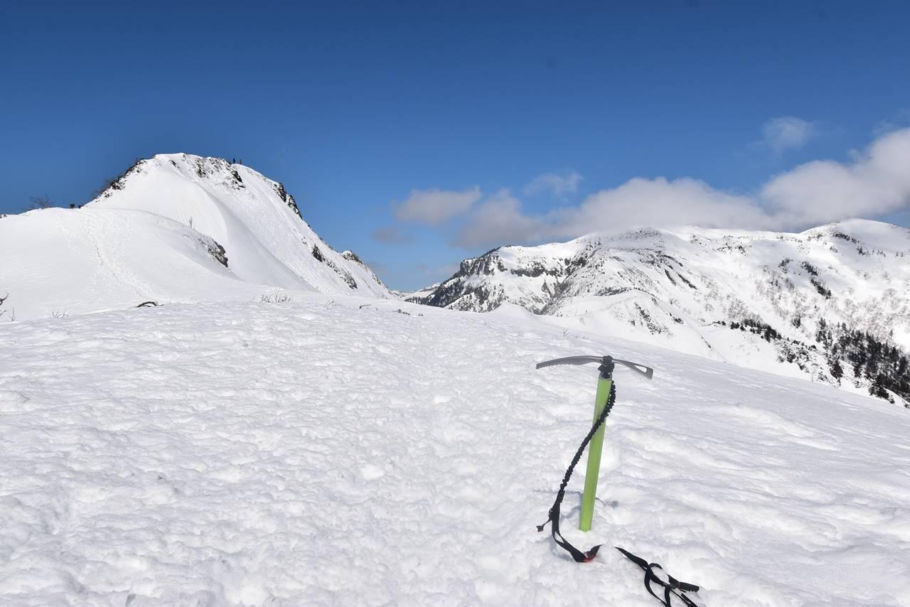 冬の上州武尊山・剣ヶ峰 ピッケル登山