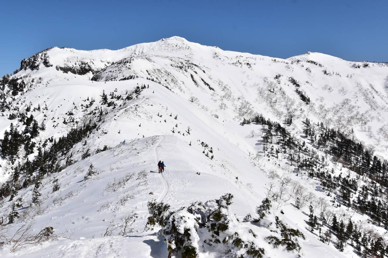 上州武尊山~剣ヶ峰 川場スキー場から雪山登山