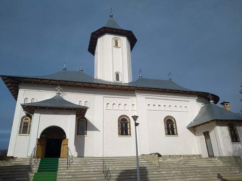 gorovei romania motorola architecture stairs church monastery green sky lamp roof cross