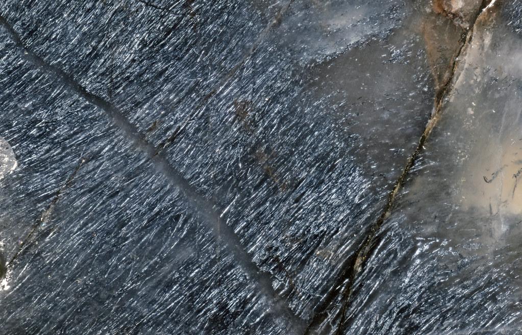 ホランド鉱 / Hollandite