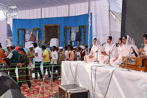 Sampuran Avtar Bani by Samipta Ji and Sathi