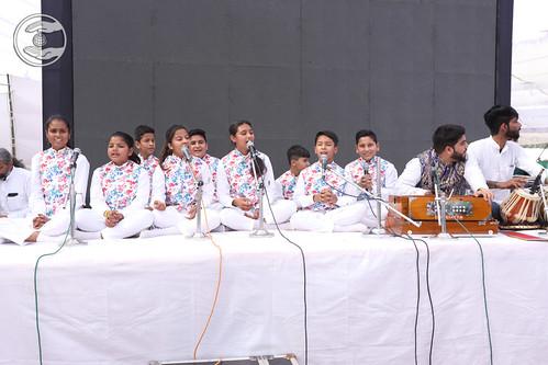 Bal Sangat Ludhiana presented Sampuran Hardev Bani