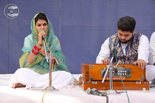 Punjabi Geet by Gurmeet Kaur Ji, Bagha Purana PB