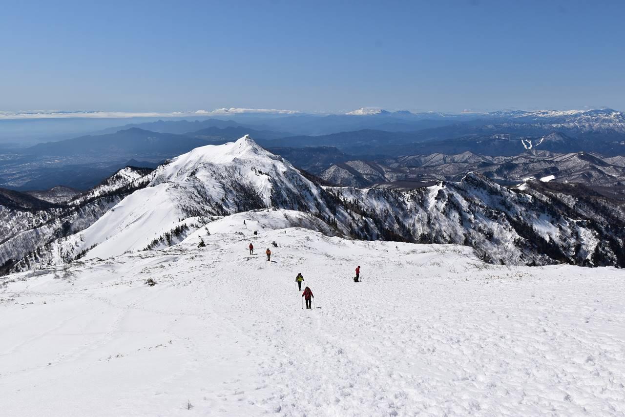 武尊山~剣ヶ峰 川場スキー場コース雪山登山