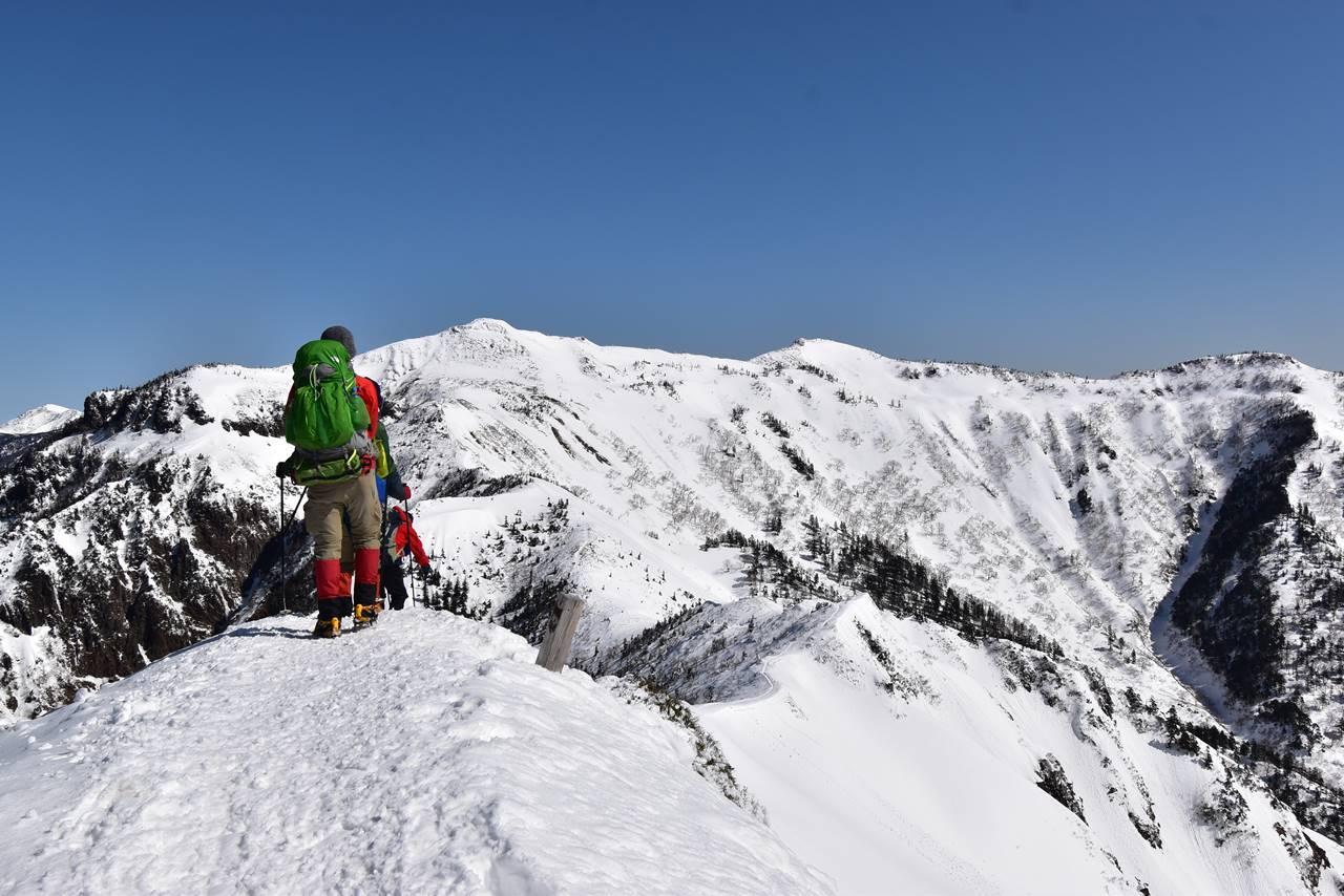 剣ヶ峰から武尊山へ