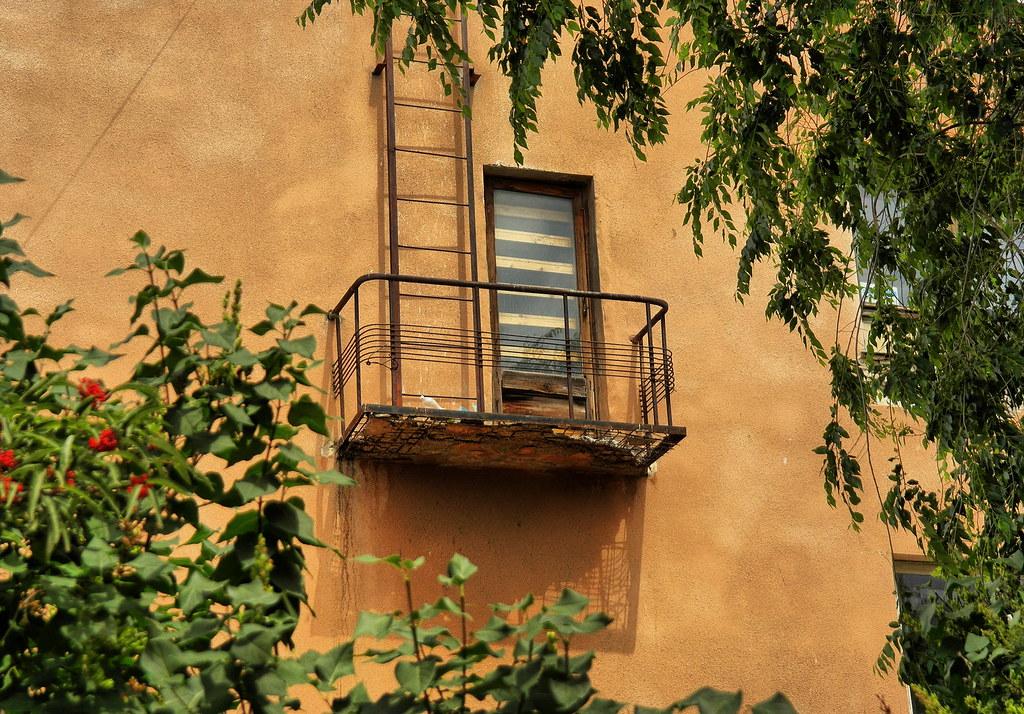 Балаково. Балкон и лестница