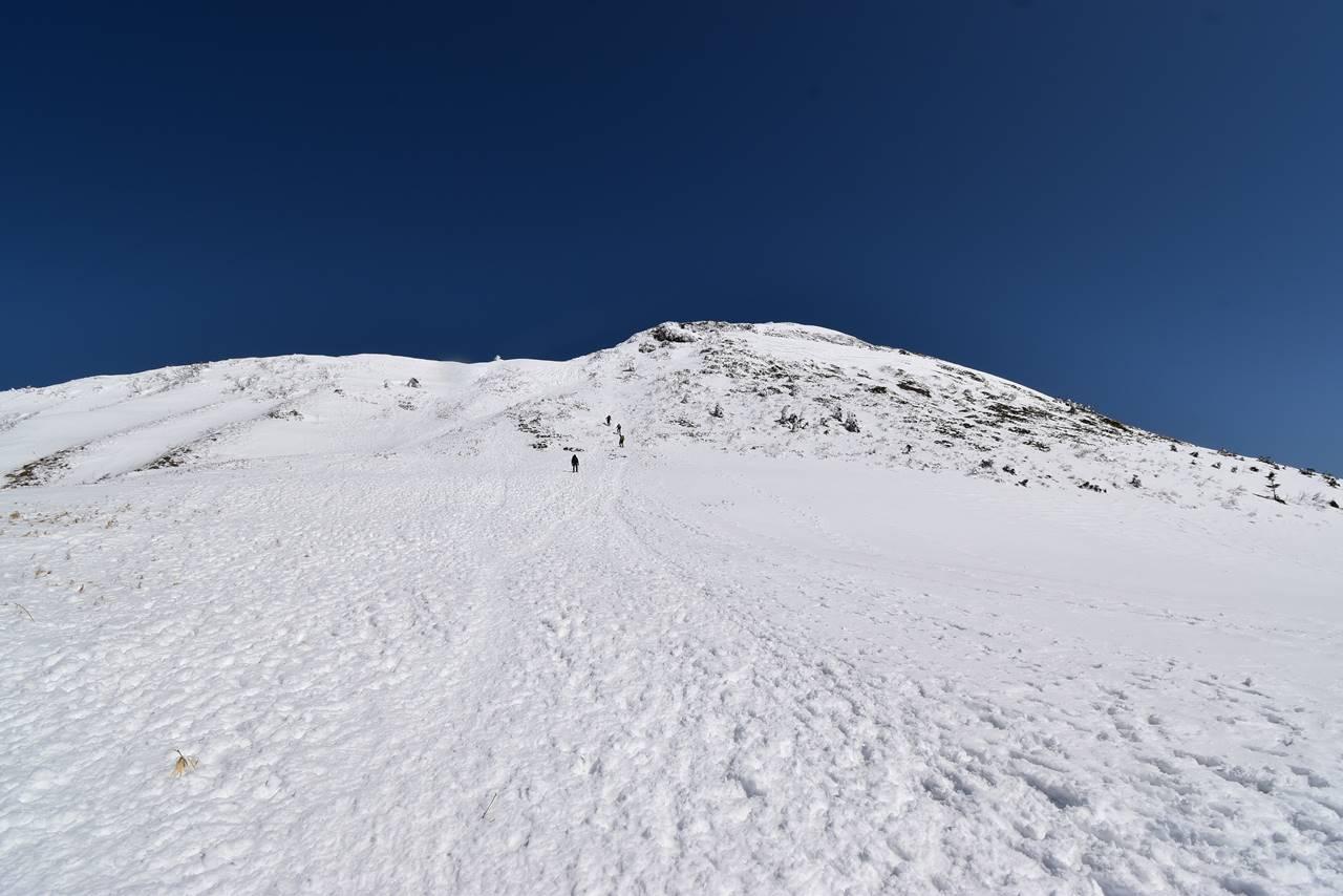 上州武尊山の雪原