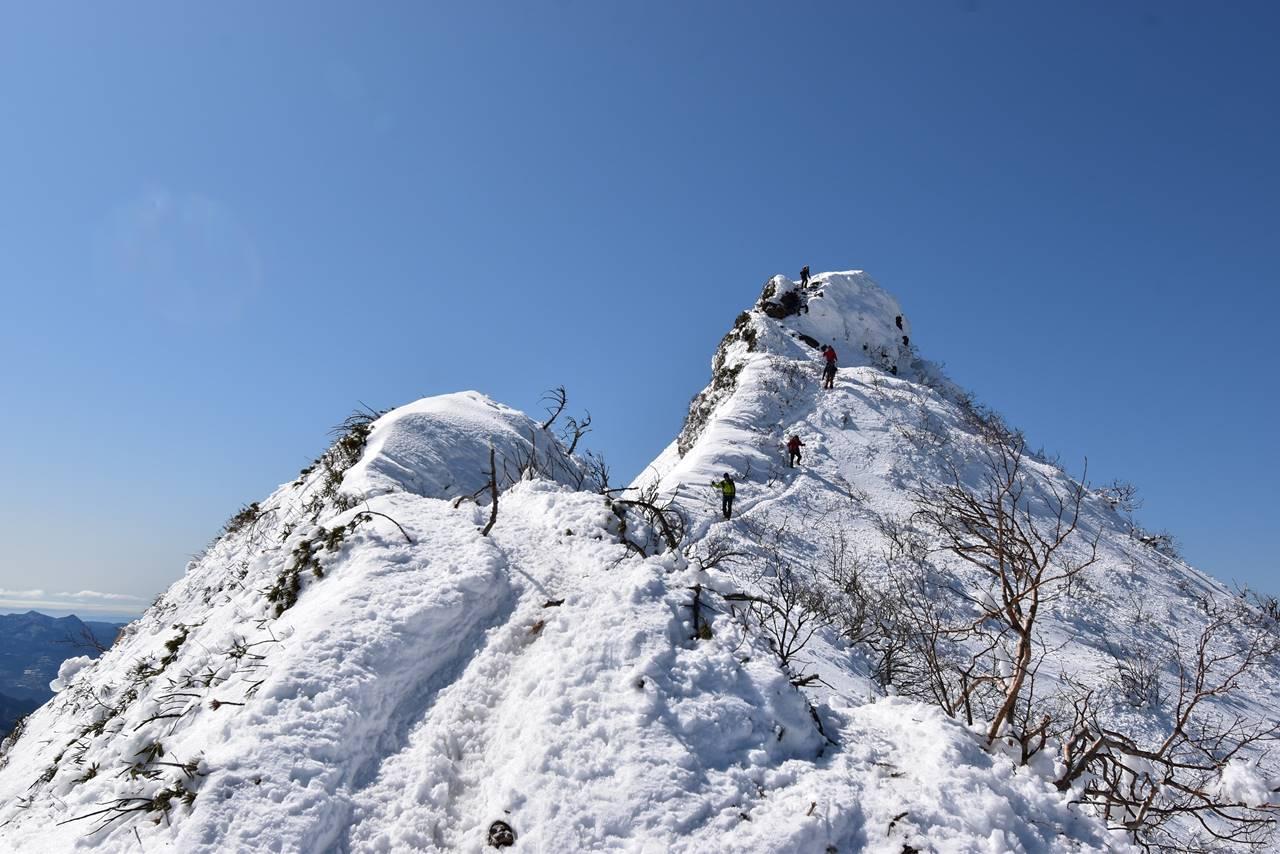 剣ヶ峰の急登