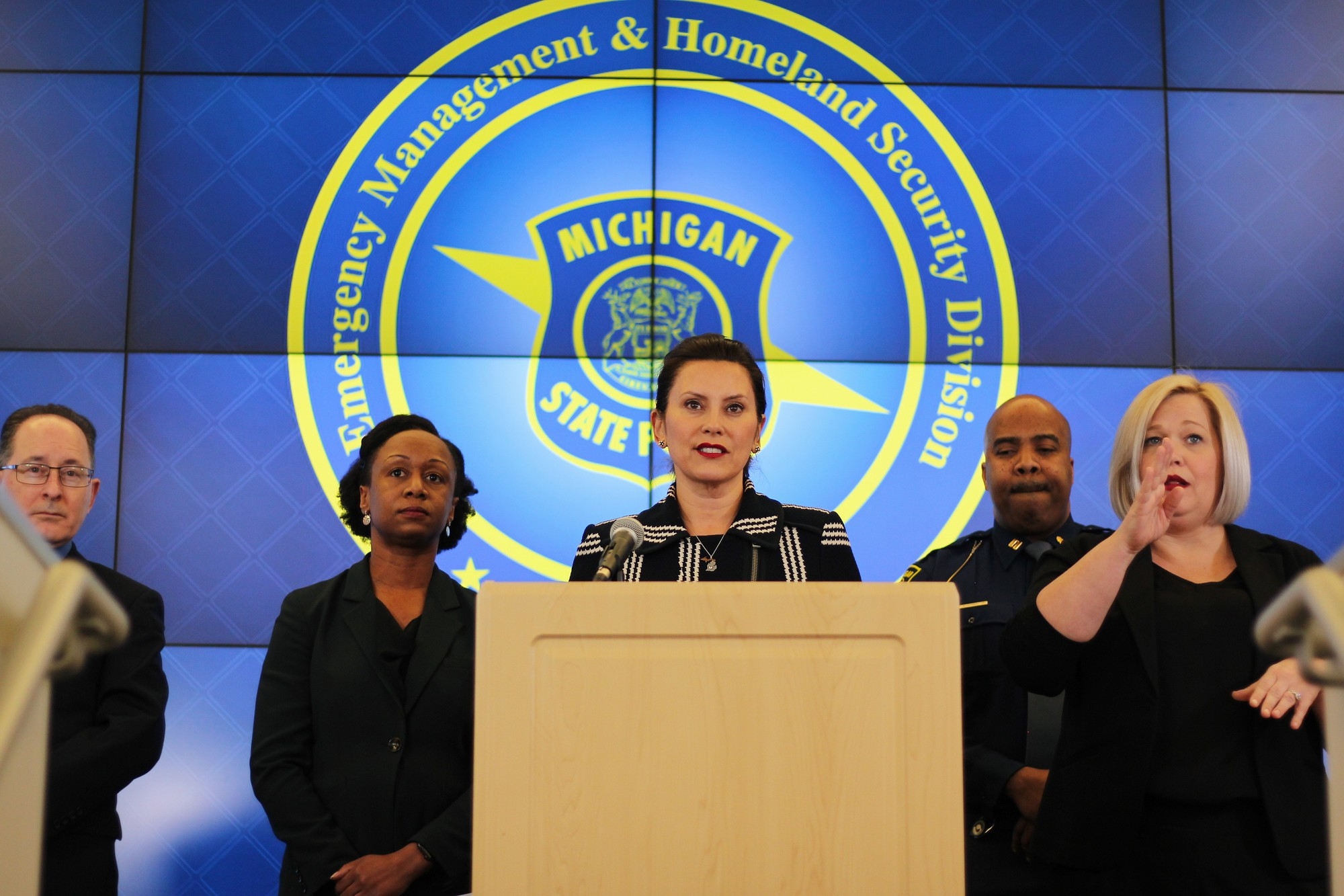 Gov. Whitmer Orders Statewide Bar Closure; Limits Gathering Sizes