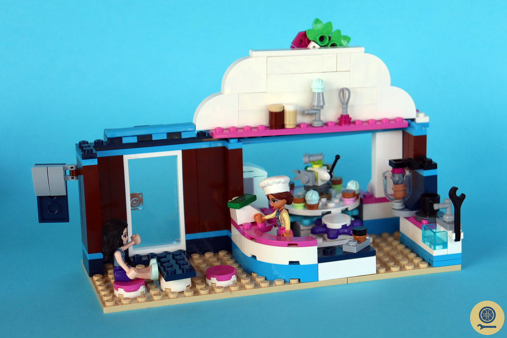 41366 Olivia's Cupcake Cafe 3