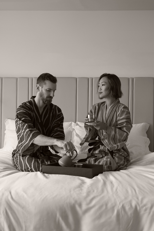 06japan-tokyo-princegallery-kioicho-luxuryhotel-couple-kimono-tea-travel