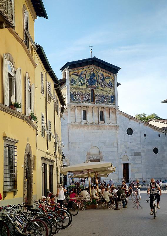 TOscana Lucca kirkko