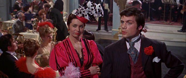 Joy Webster et Oliver Reed dans le film Les Deux visages du docteur Jekyll (Terence Ficher, 1960)