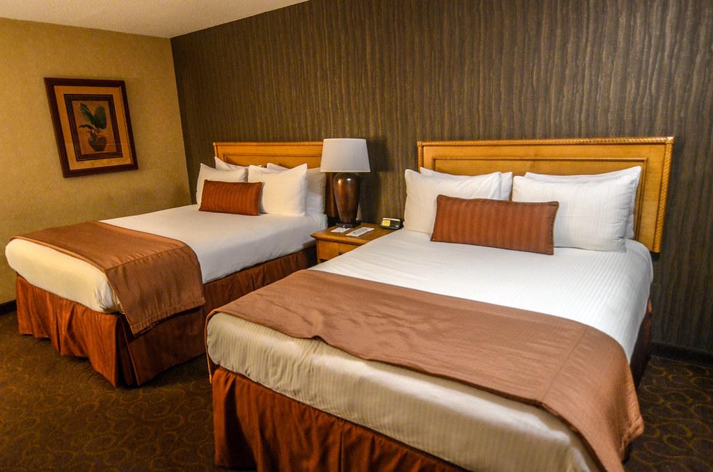 Best Western Pavilions beds room