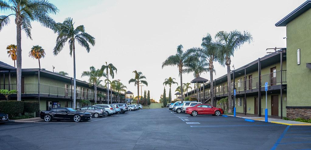 Best Western Pavilions parking lot