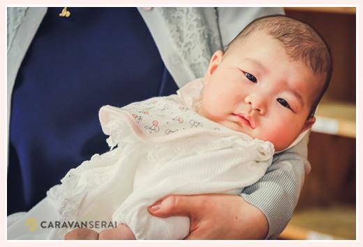 お宮参り ベビードレス姿の赤ちゃん 3か月