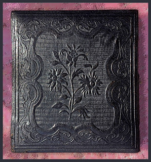 """""""Three Flowers"""" 6th Plate Case"""