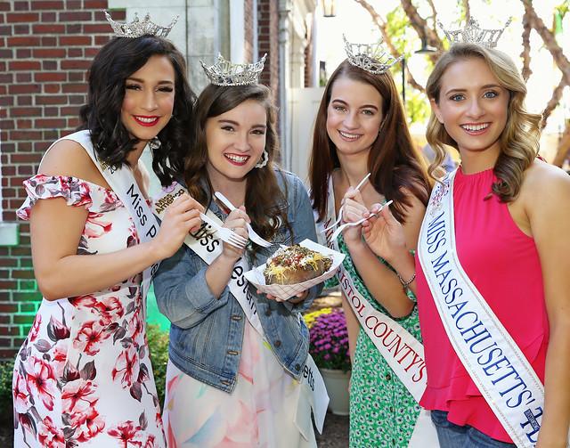 Massachusetts Day Pageant Girls Enjoying The Big E