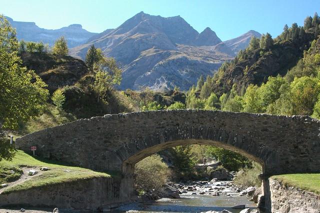 Gavarnie Hautes-Pyrénées  (Pirineu, Pyrénées, Pirineo)