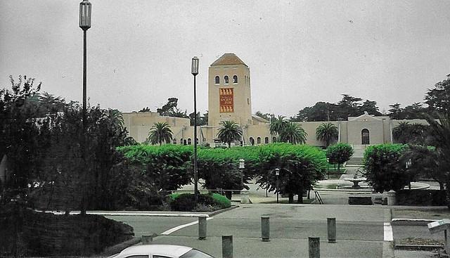 San Francisco  California -  M. H. de Young Memorial Museum AKA  - de Young - Golden Gate Park