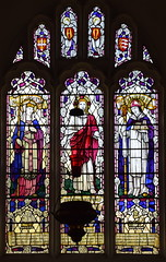 Risen Christ flanked by St Helen and St Cedd (William Lawson, 1930)