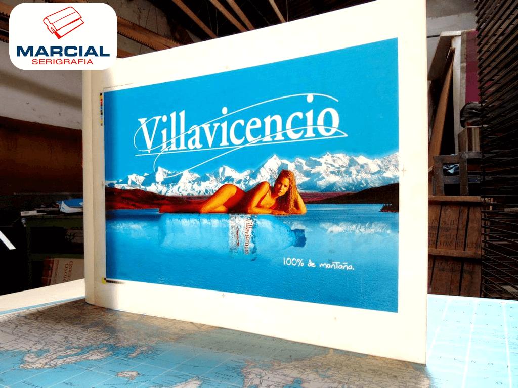 """Serigrafía sobre alto impacto (pai), impresión backlight de la marca de Agua Mineral """"Villavicencio"""" impreso por Marcial Serigrafia a 4 colores CMYK en nuestro taller."""