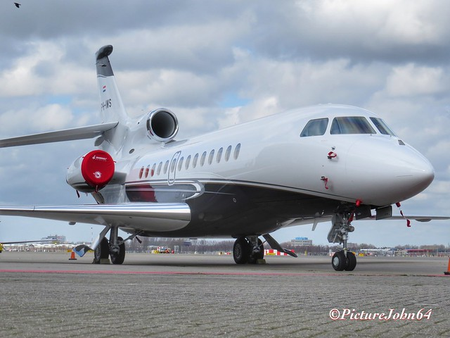 Brand new: Exxaero Dassault Falcon 7X (PH-IWS) at Schiphol East