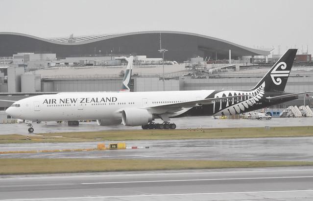 Air New Zealand ZK-OKR Boeing 777-319(ER)