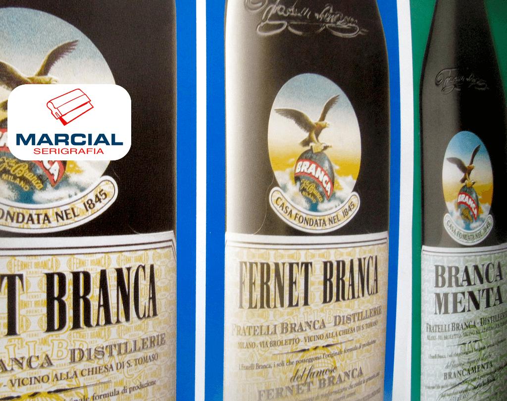 """Serigrafía de """"Fernet Branca"""" y """"Branca Menta"""" sobre alto impacto económico (poliestireno reciclado) e impreso en Fotocromo (cuatricromia CMYK) y realizado en el taller de Marcial Serigrafia."""