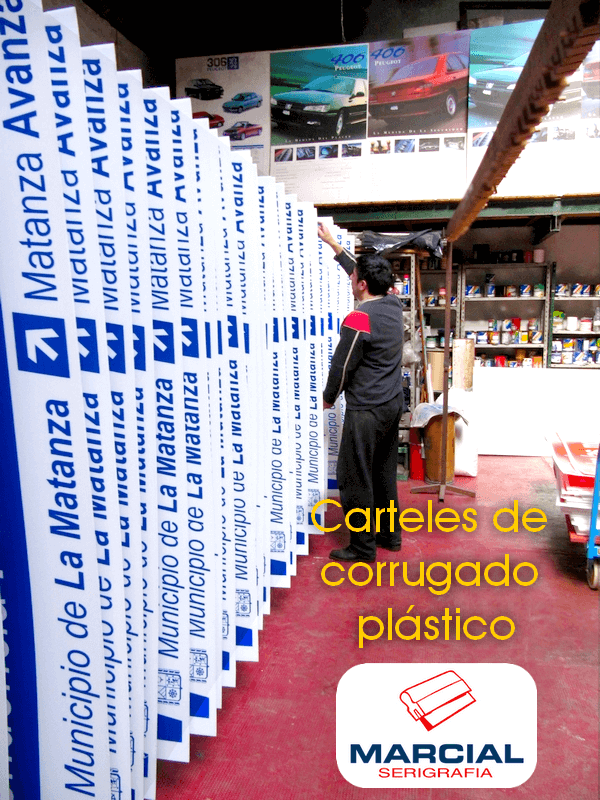 Serigrafia sobre corrugado plástico a 2 colores de 1.60 x 0.60 mts. Impreso por Marcial Serigrafía.