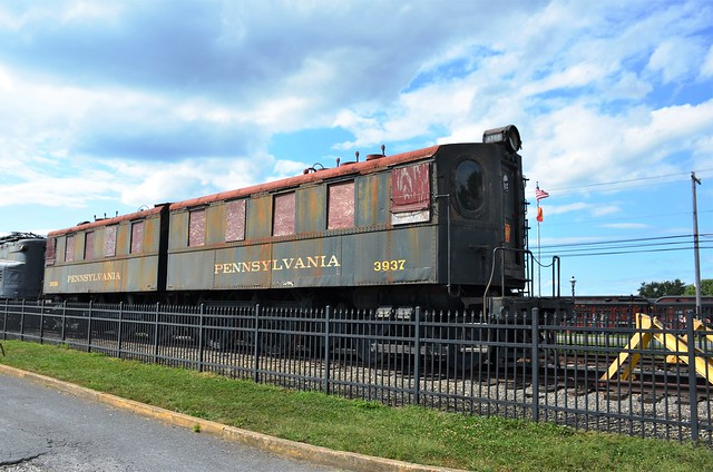 Pennsylvania Railroad No. 3937 and 3936 (DD1), Pennsylvania, Strasburg, Railroad Museum of Pennsylvania