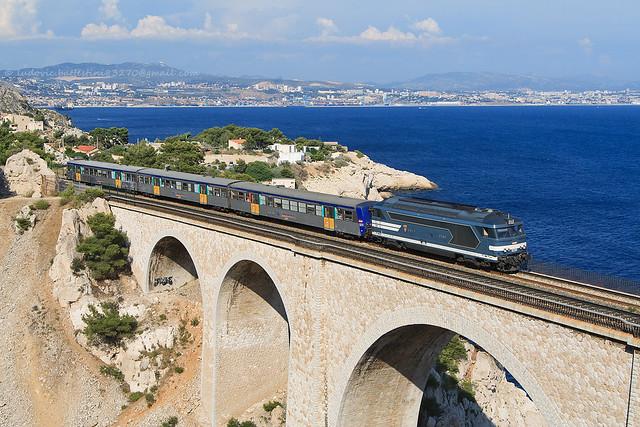Niolon / BB 67580 TER Marseille - Miramas