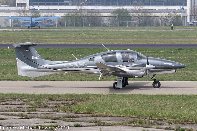 PH-MBO - 2017 build Diamond DA-62, taxiing for departure on Runway 24 at Friedrichshafen during Aero 2019