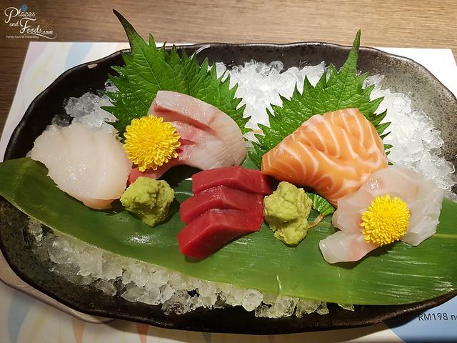kampachi sashimi
