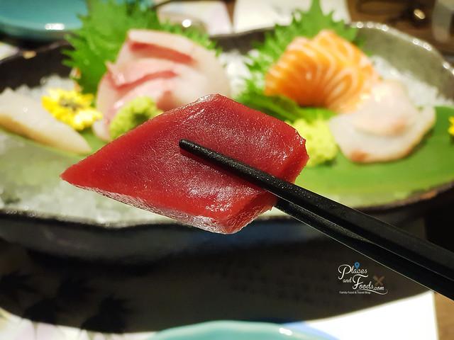 kampachi sashimi tuna
