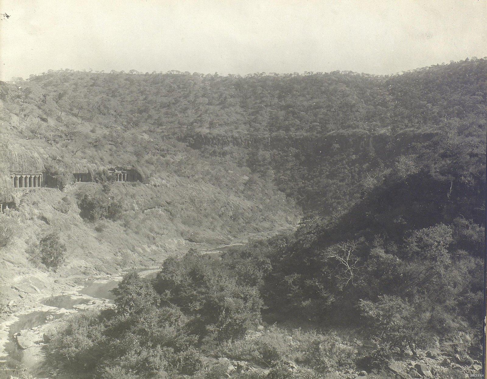 Аджанта (общий вид местности (3)
