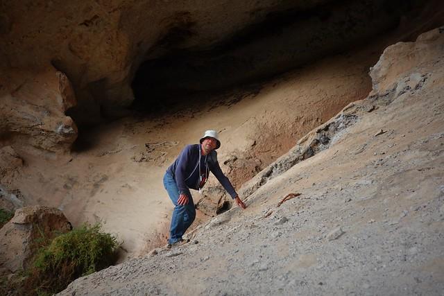 Cave Selfie SR602328
