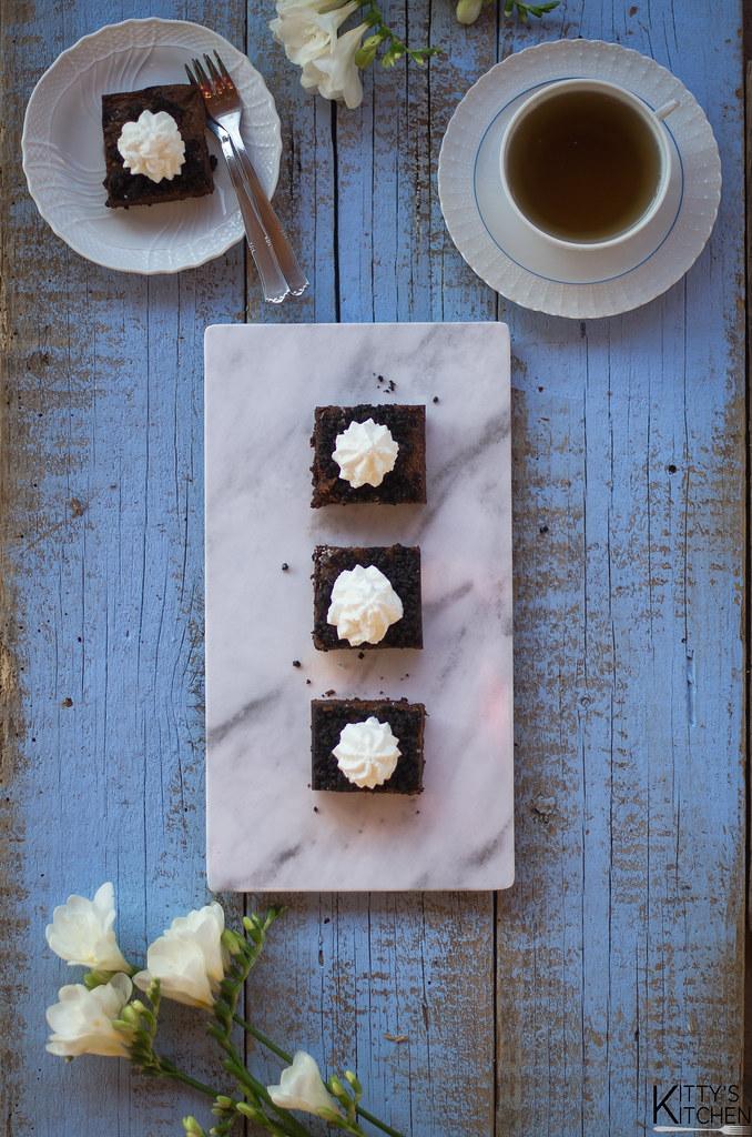 Oreo crumble brownie