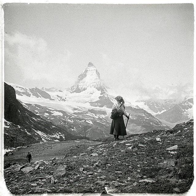 L'ascension / In front of the mountain